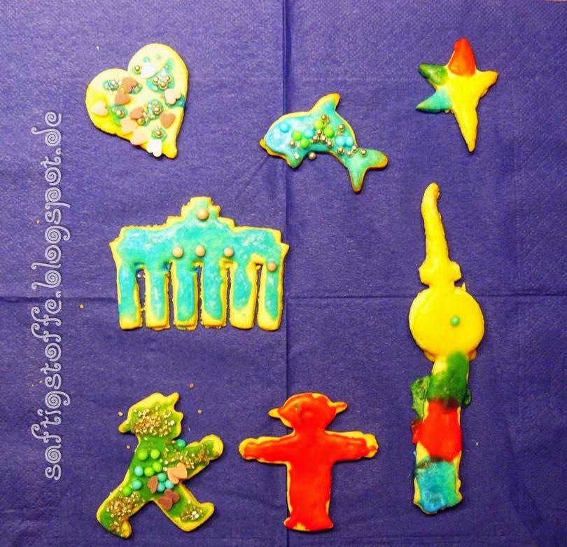 Kekse mit Ampelmann-, Brandenburger Tor und Alex-Ausstech-Förmchen