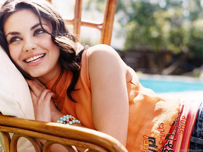 Mila Kunis Russian Actress Pretty Wallpaper