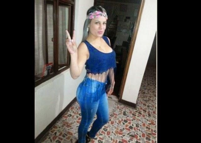 Morena colombiana de peso excesivo dildeando su conjo y culo - 1 part 8