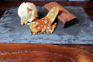 Heavenly chocolate brownie & caramelised banana.