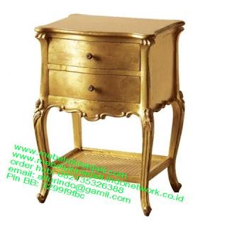 Mebel jepara mebel jati jepara mebel jati ukiran jepara nakas jati ukir klasik cat duco classic furniture jati jepara code NKSJ 117 nakas cat duco gold leaf
