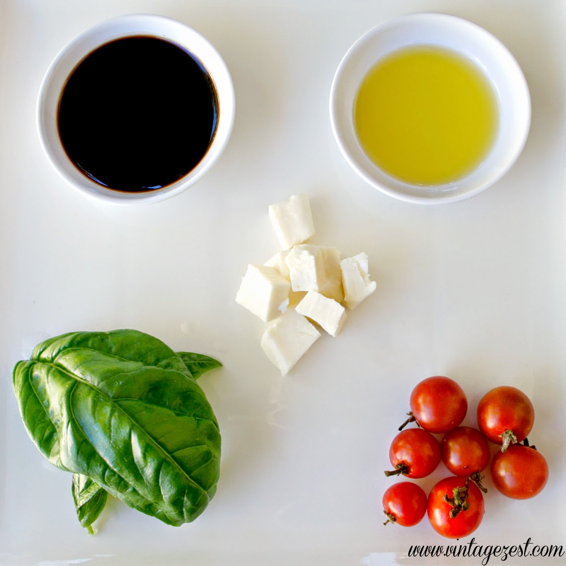 Simple Caprese Salad on Diane's Vintage Zest!