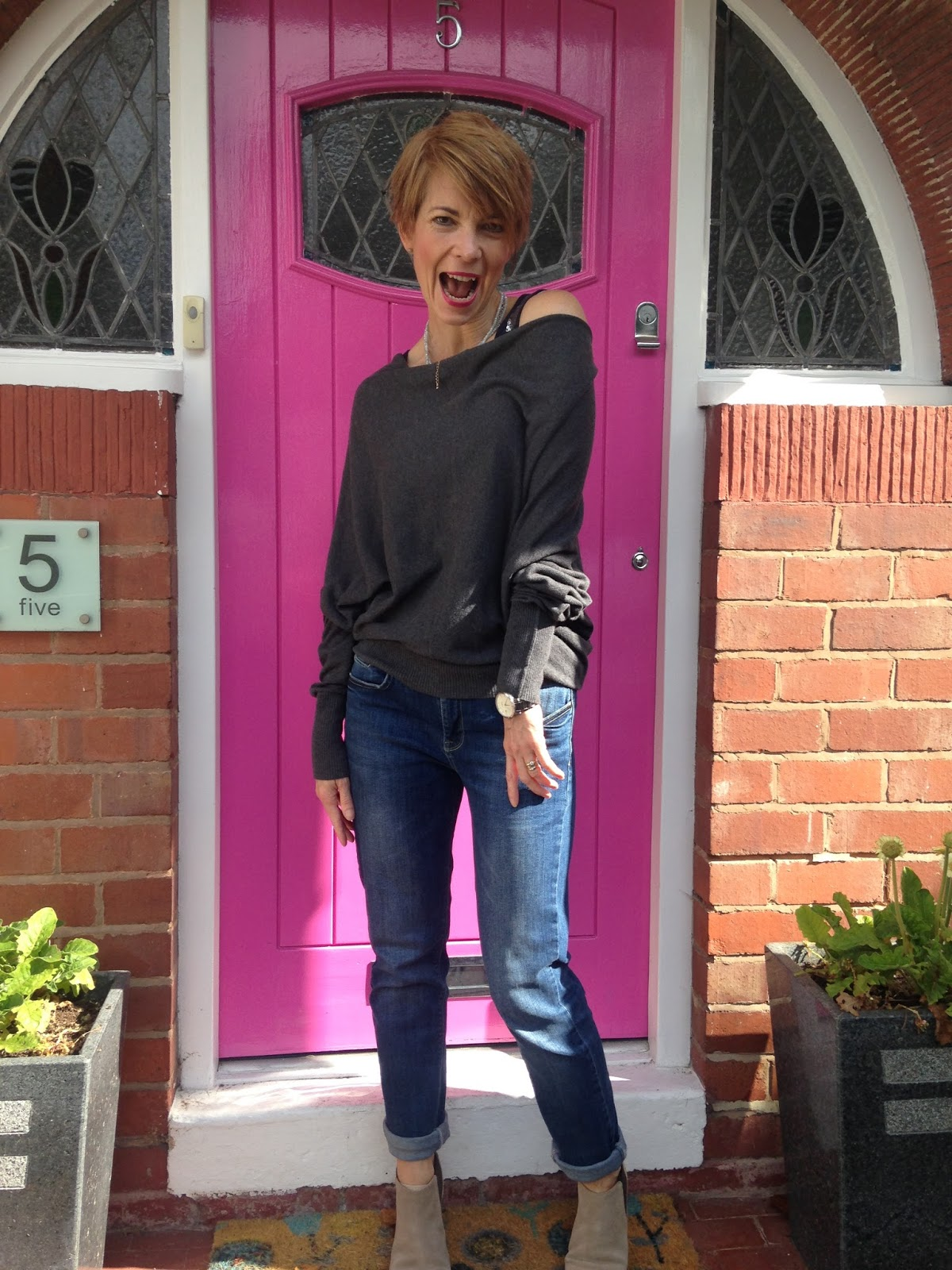 Growing old (dis)gracefully – a blog and vlog on how to style yourself in your 40's and beyond….