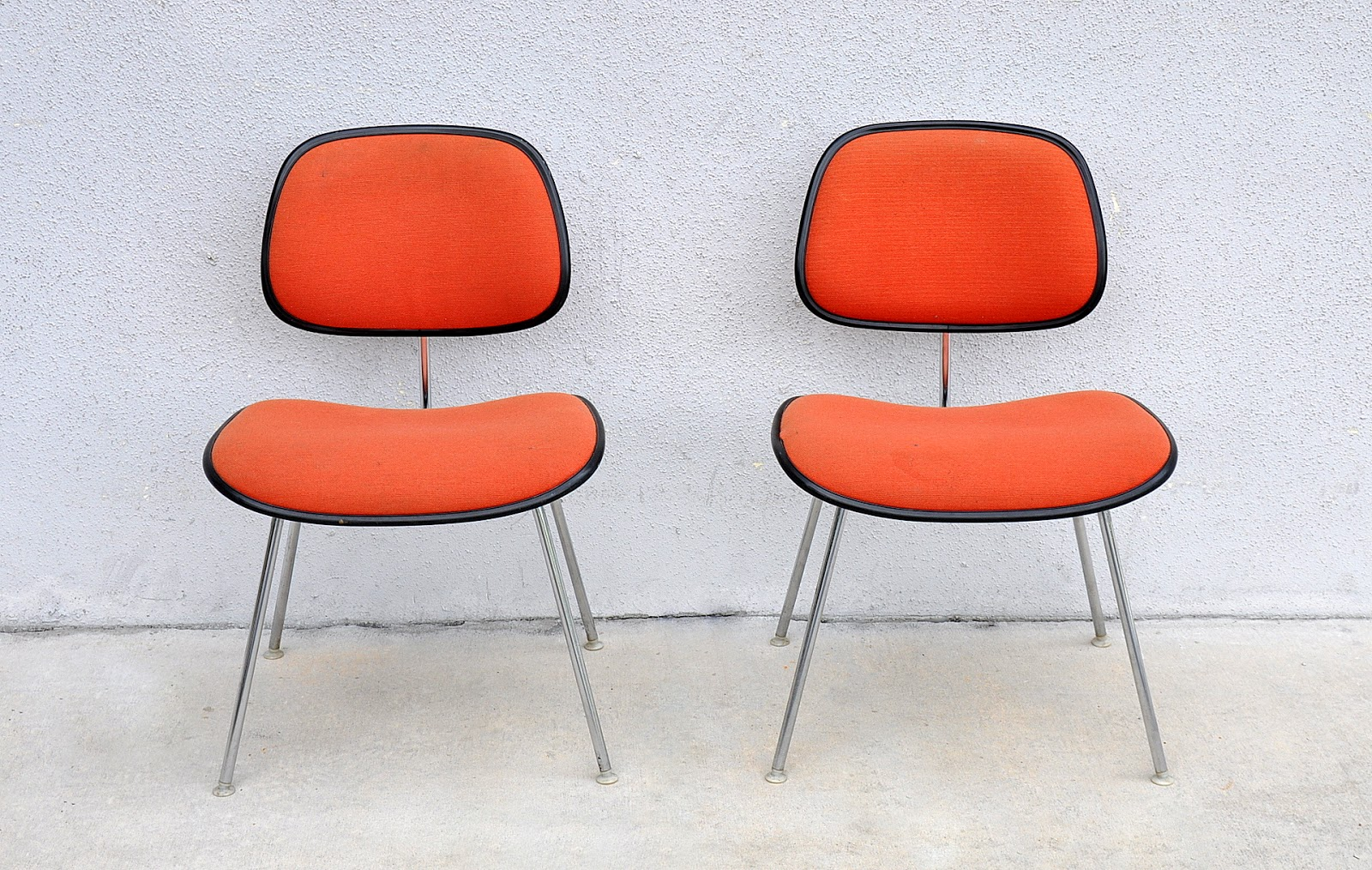 Select modern pair of herman miller eames upholstered dcm chairs - Eames chair herman miller ...