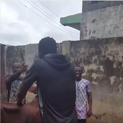 Comedian Akpororo riding his cow to Warri,Akpororo on a cow,Akpororo rides a cow,Akpororo and cow 3