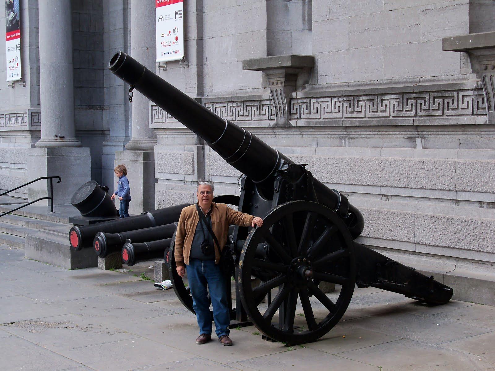 Con cañones históricos (Bruselas)