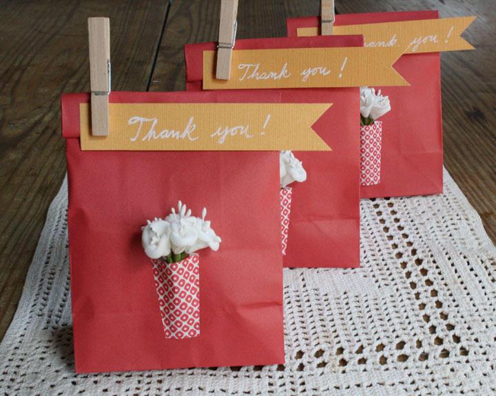 DIY: Mini bolsitas para los regalos de los invitados | Fuxia Atelier