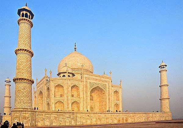 Will the Taj Mahal open on Friday nights?