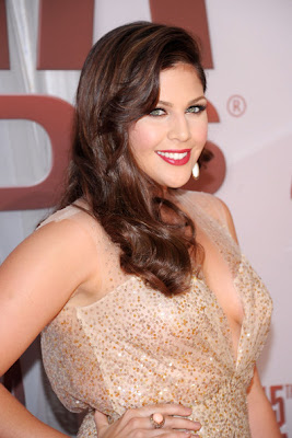 Hillary Scott Side Sweep Hairstyle