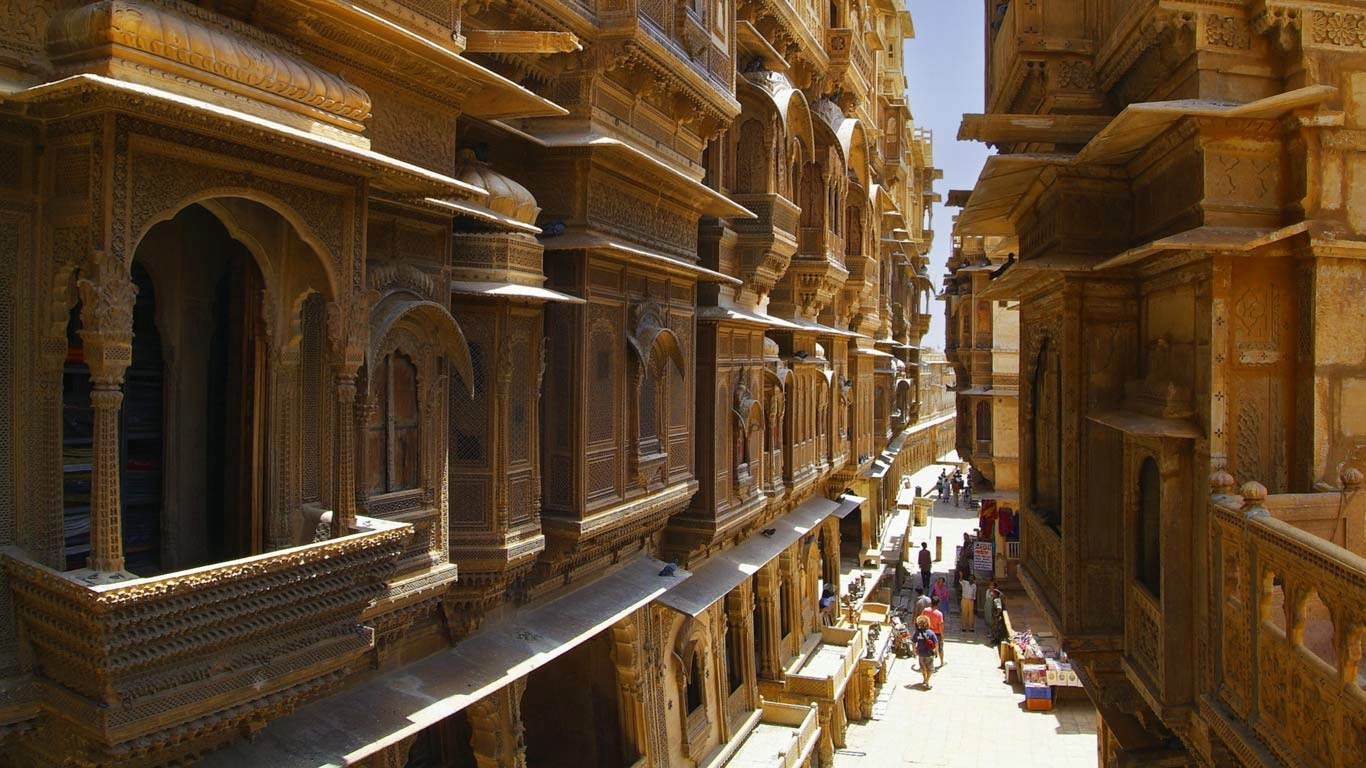 Jaisalmer, Rajasthan, India (© Axel Fassio/Getty Images) 110