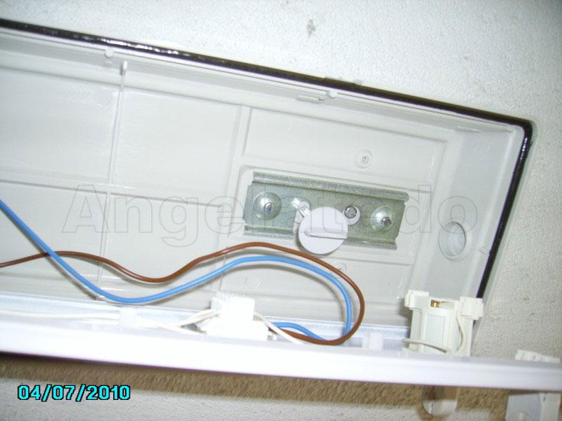 El conexi n de pantalla for Porta tubos fluorescentes