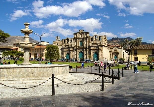 Cajamarca, Plaza de Armas. Sullo sfondo la Cattedrale