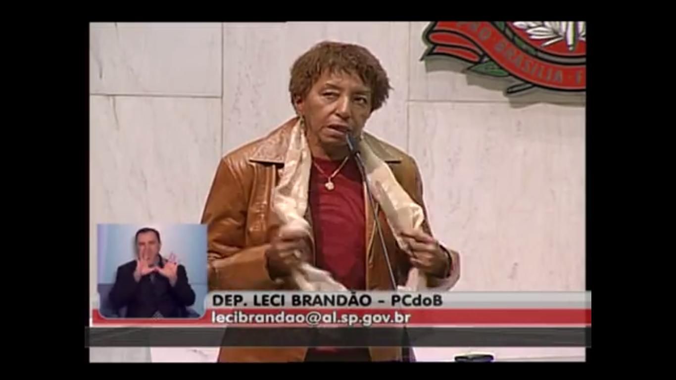 VIDEO - Leci Brandão faz pronunciamento contra campanha oportunista - Não somos macacos!