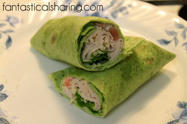 Turkey Club Wrap | A quick and yummy wrap that tastes like a classic club sandwich