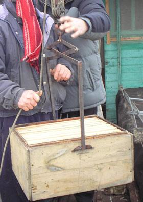 Пасечный подъемник для погрузки ульев своими руками