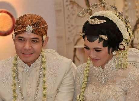 Foto Pernikahan Dude Harlino dan Alysa Soebandono