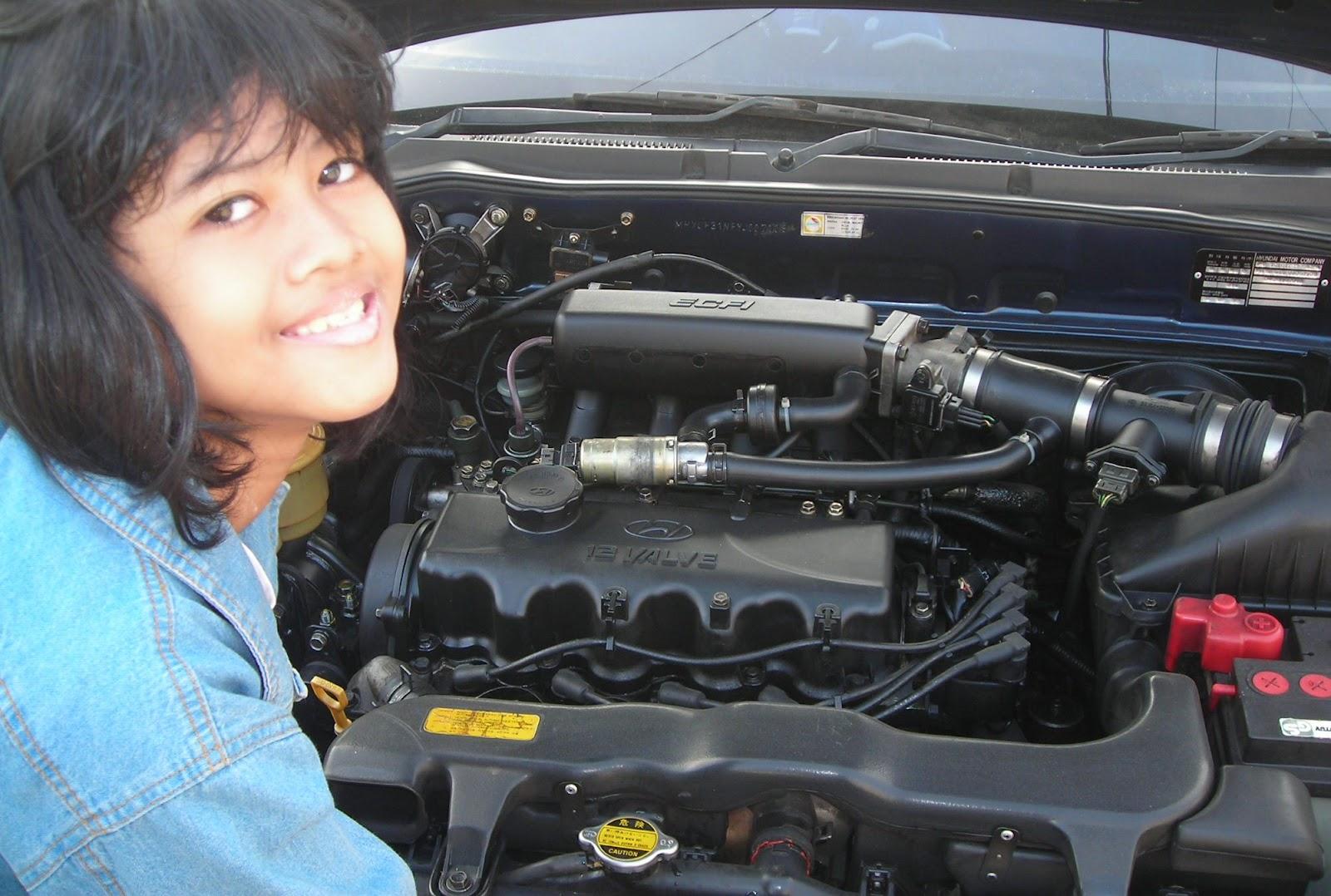 """Adapun di rumah Semarang, pada saat saya """"bersih-bersih"""" mesin mobil"""