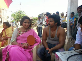 Bhojpuri Actress Kajal Raghwani with pawan singh Picture.jpg