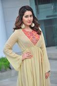 Rashi Khanna new glamorous photos-thumbnail-16
