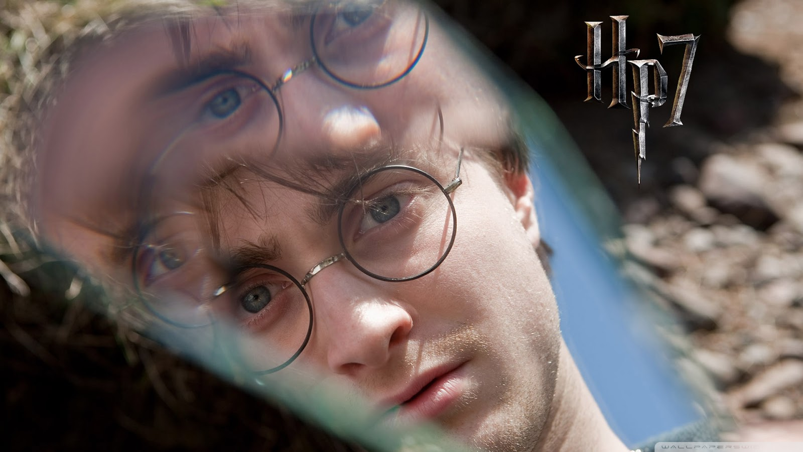 Daniel Radcliffe as Harry Potter Deathly Hallows Wallpaper