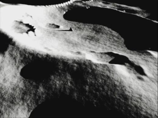 piramide en la luna