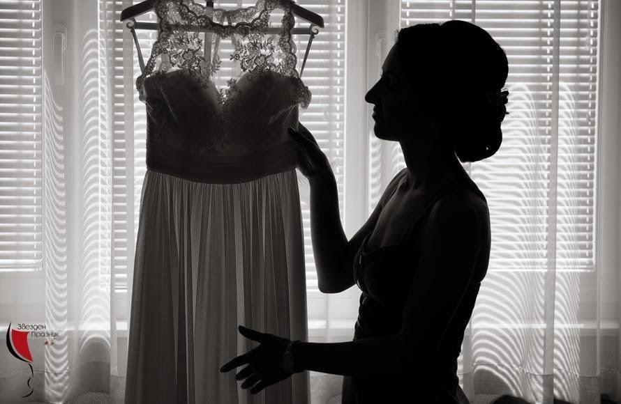 обличане на сватбената рокля
