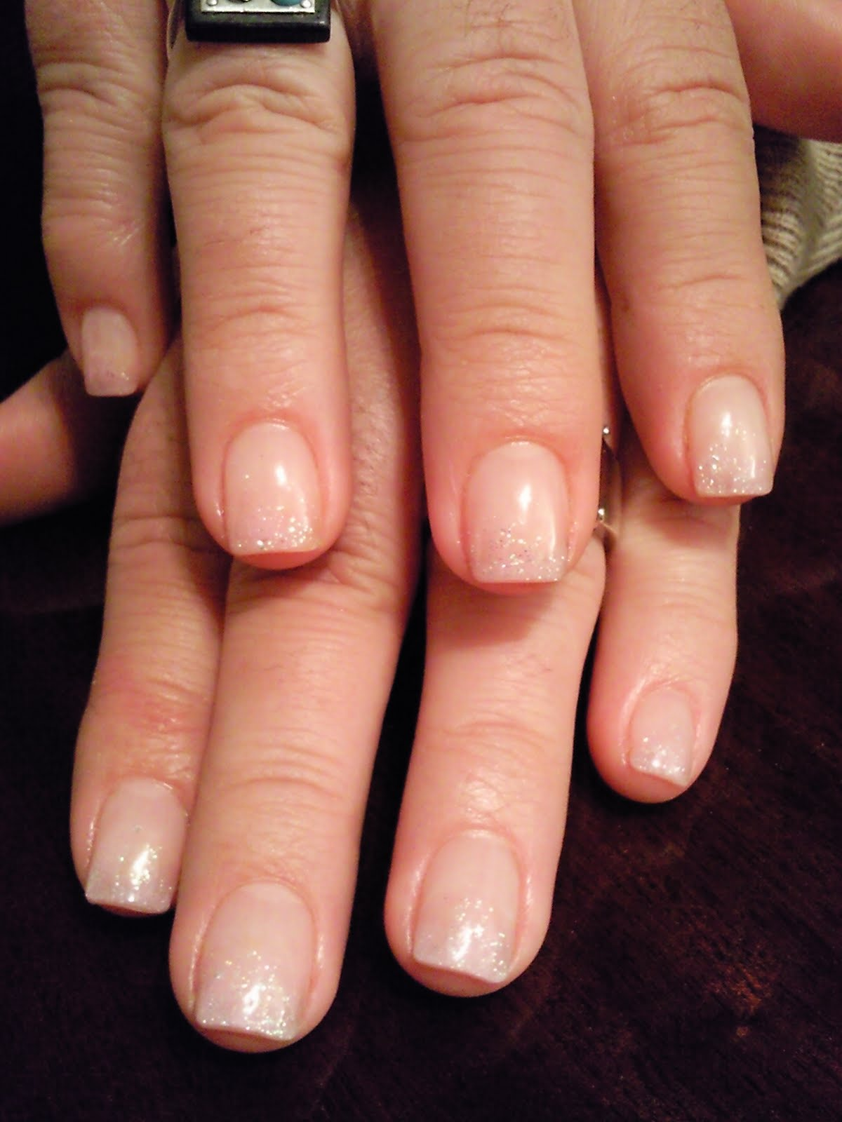 EL MUNDO DE ANGIE NAILS::.: **La elección del tono de las uñas**