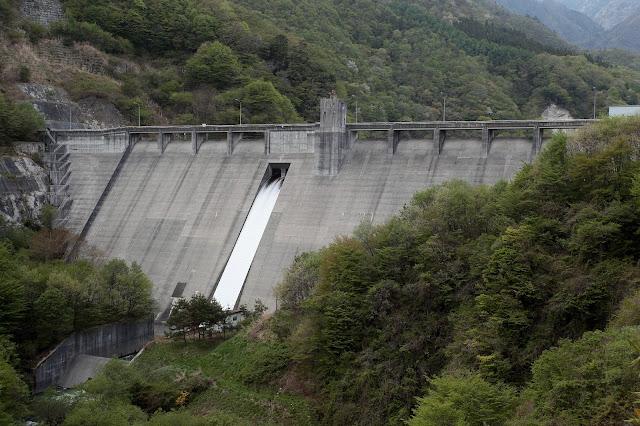 片桐ダム下流