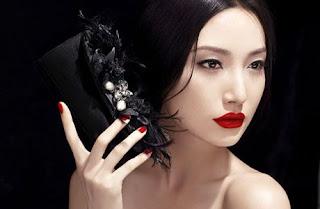 Pakai Lipstik Merah, Ini Aturannya !! dari daniel maulana