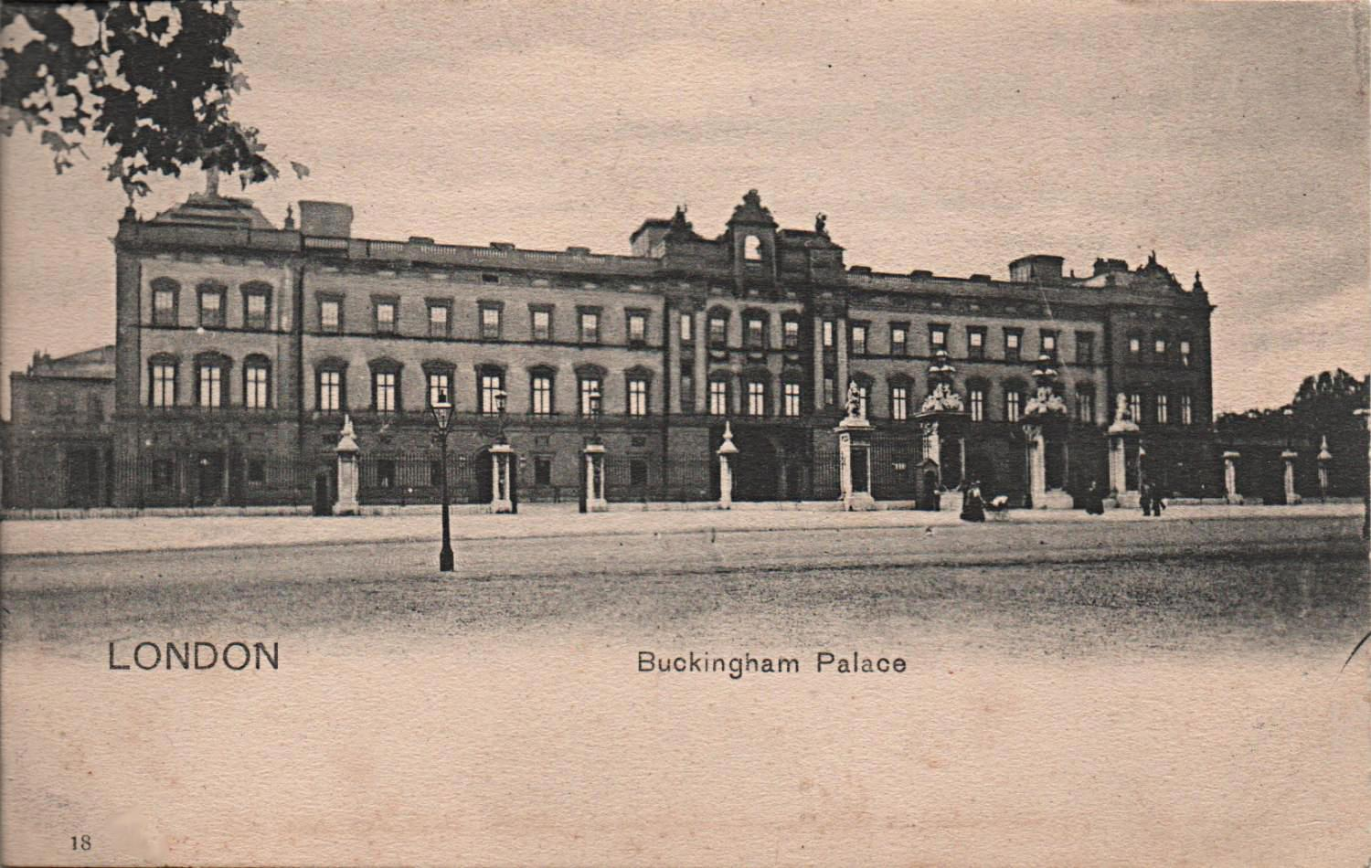 vintage postcard of Buckingham palace