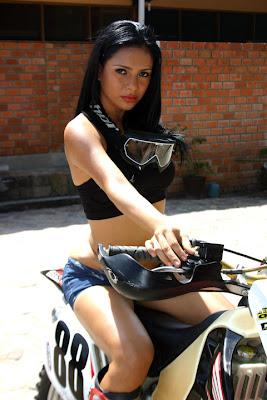 Chicas y Motos 1