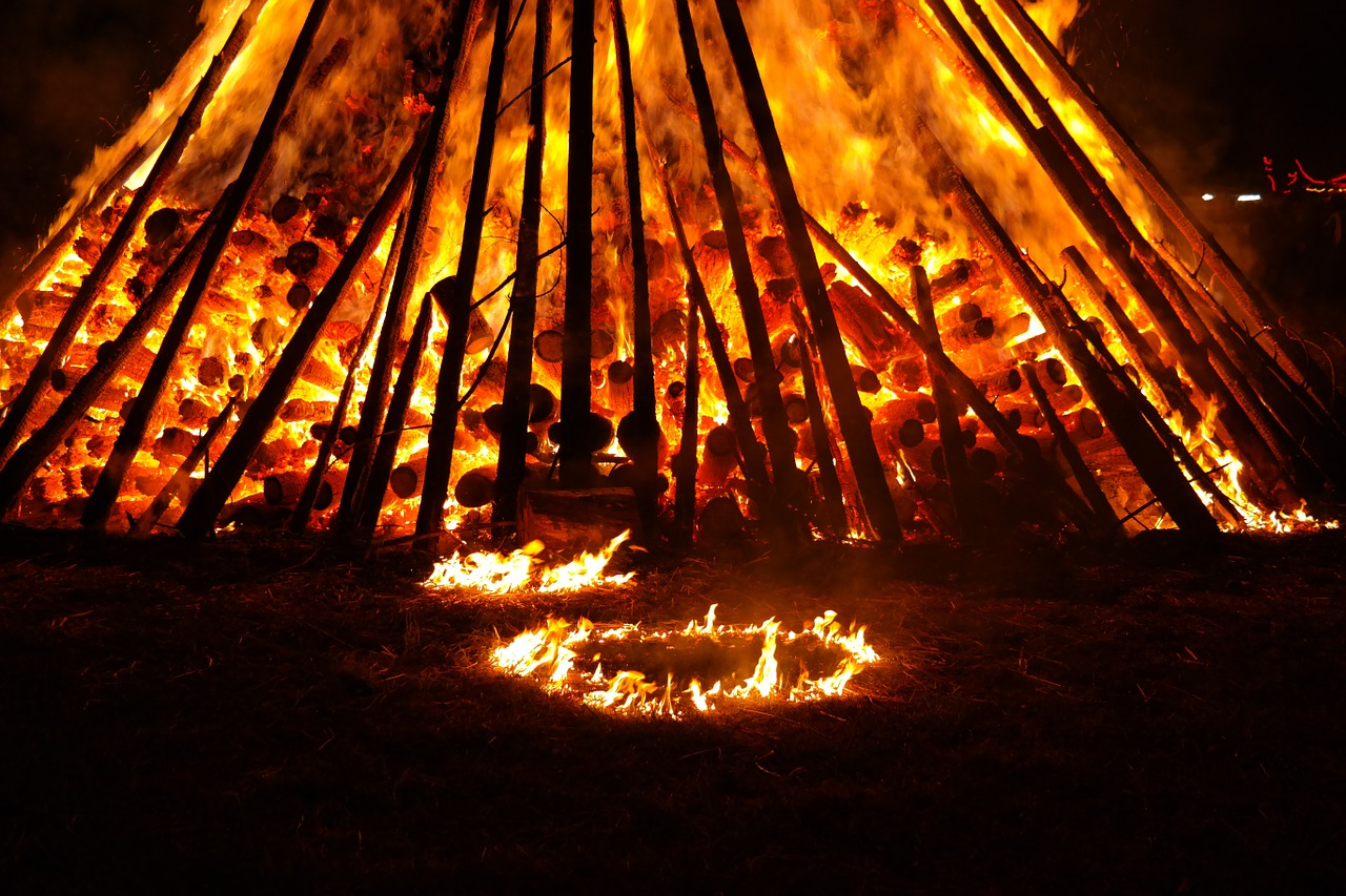 Dark Campfire