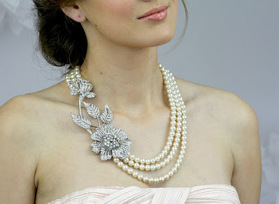 vintage style pearl bridal necklace