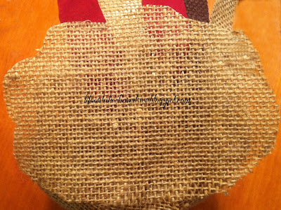 "alt=""Burlap Turkey Tutorial using fabric stiffener"""