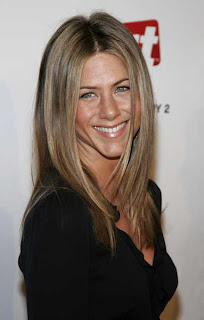 Jennifer Aniston New Haircut Pictures - 2011 Celebrity hairstyles