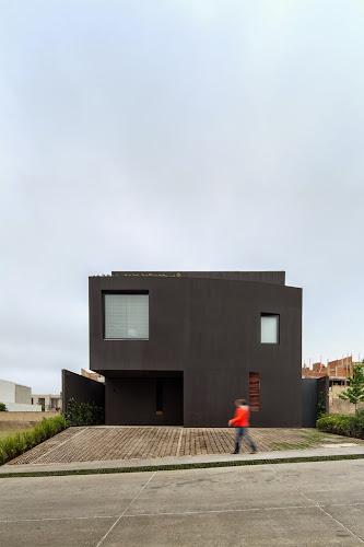 Cumbres House by DCPP Arquitectos