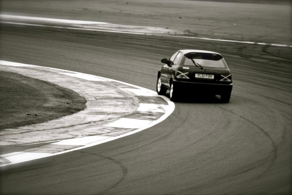 Suzuki Baleno, hatchback, japońskie samochody, auta z lat 90, wyścigi, do sportu, billeder, nuotraukos, grianghraf, valokuvat