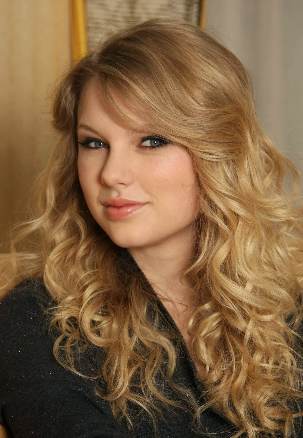 taylor swift hairstyles for long hair 2013 with bangs