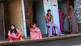 Tradisi Aneh Gadis Dipersembahkan Untuk Prostitusi