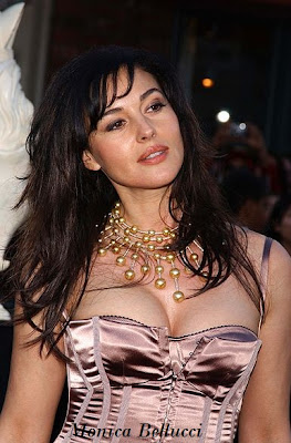 Monica Bellucci Cute Pic