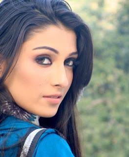Aiza Khan (Ayeza)