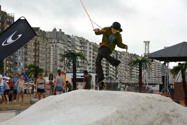 O'Neill Beach club Blankenberge Snowboarding jump