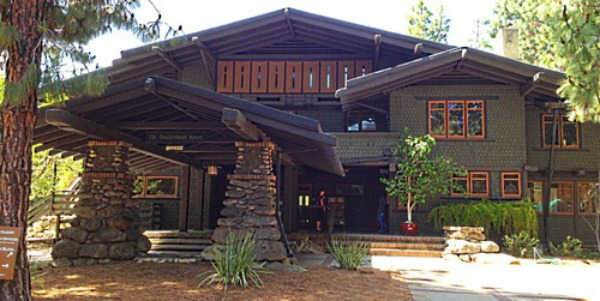 An old fashioned world old house styles for Pasadena craftsman homes