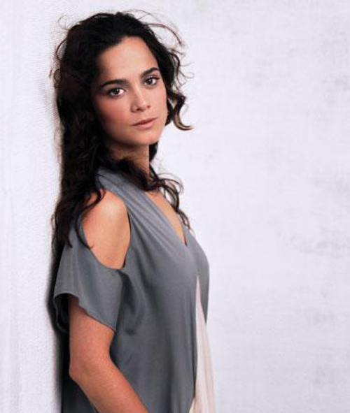 Alice Braga Hairstyle 27