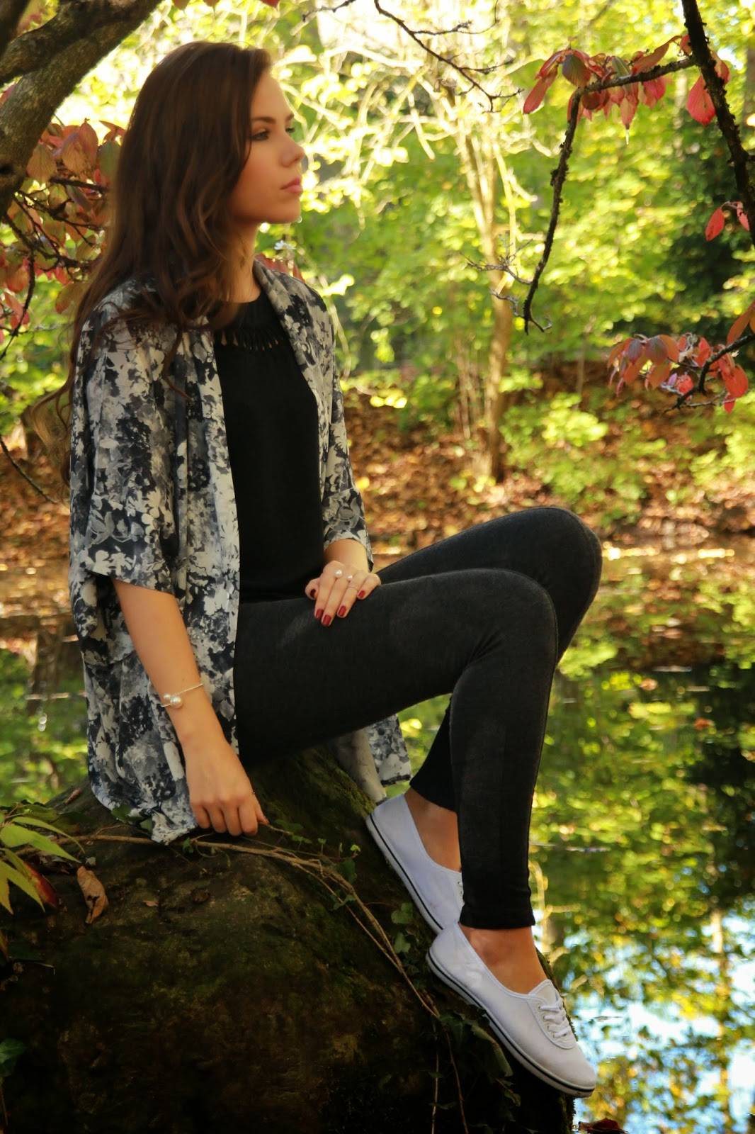 Outfit – black and white for the colourful autumn