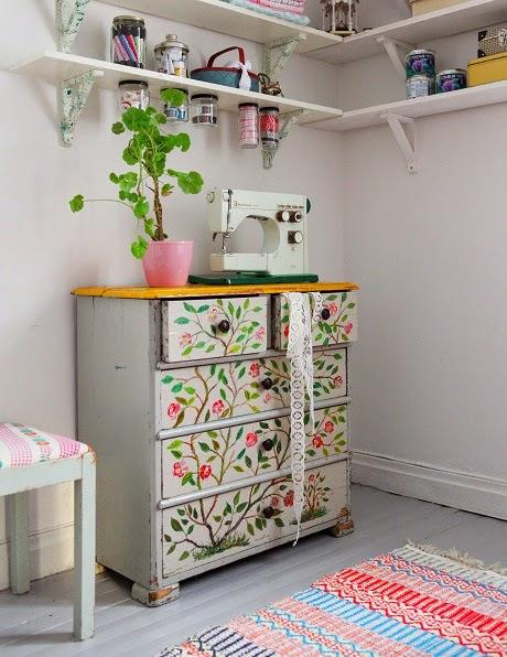 jak zorganizować przestrzeń do szycia, niezbędnik krawcowej, Pracownia krawiecka, przechowywanie w pracowni, sewing space, storage, workshop, workspace, room, DIY,