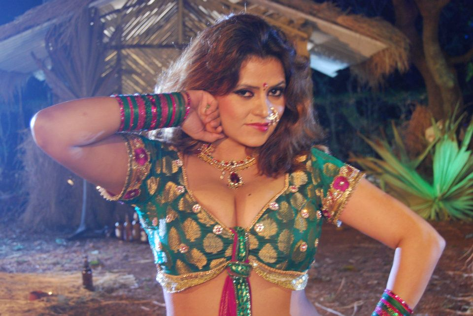 bhojpuri actress sapna - photo #14