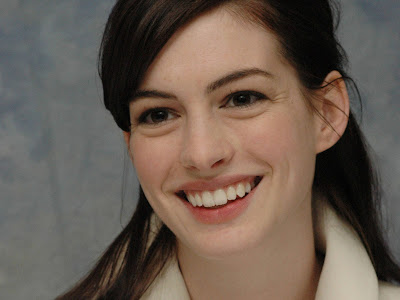 anne_hathaway_face_wallpapers_569546418455