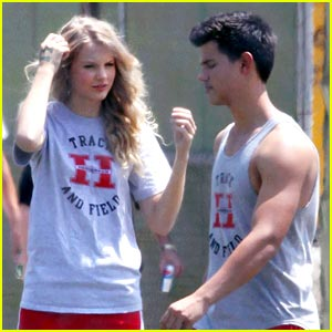 taylor lautner with taylor swift