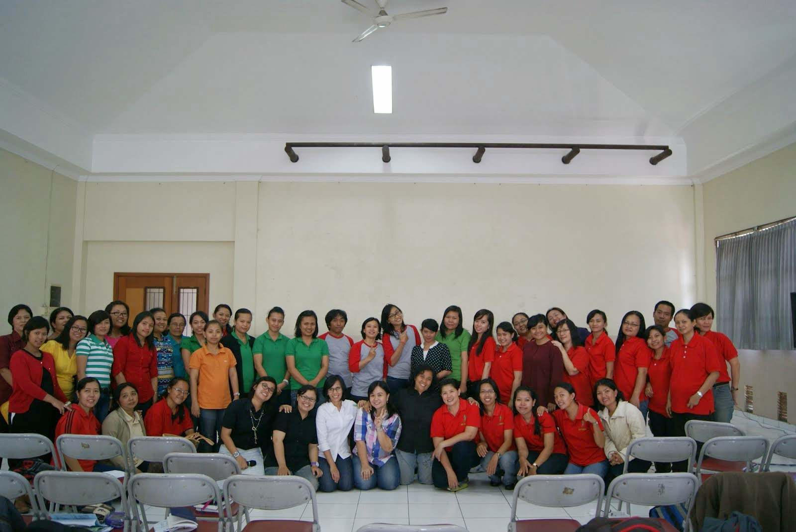 Bersama Guru-guru Play Group,TK dan SD Yayasan Salibb Suci Bandung (14 Februari 2015)